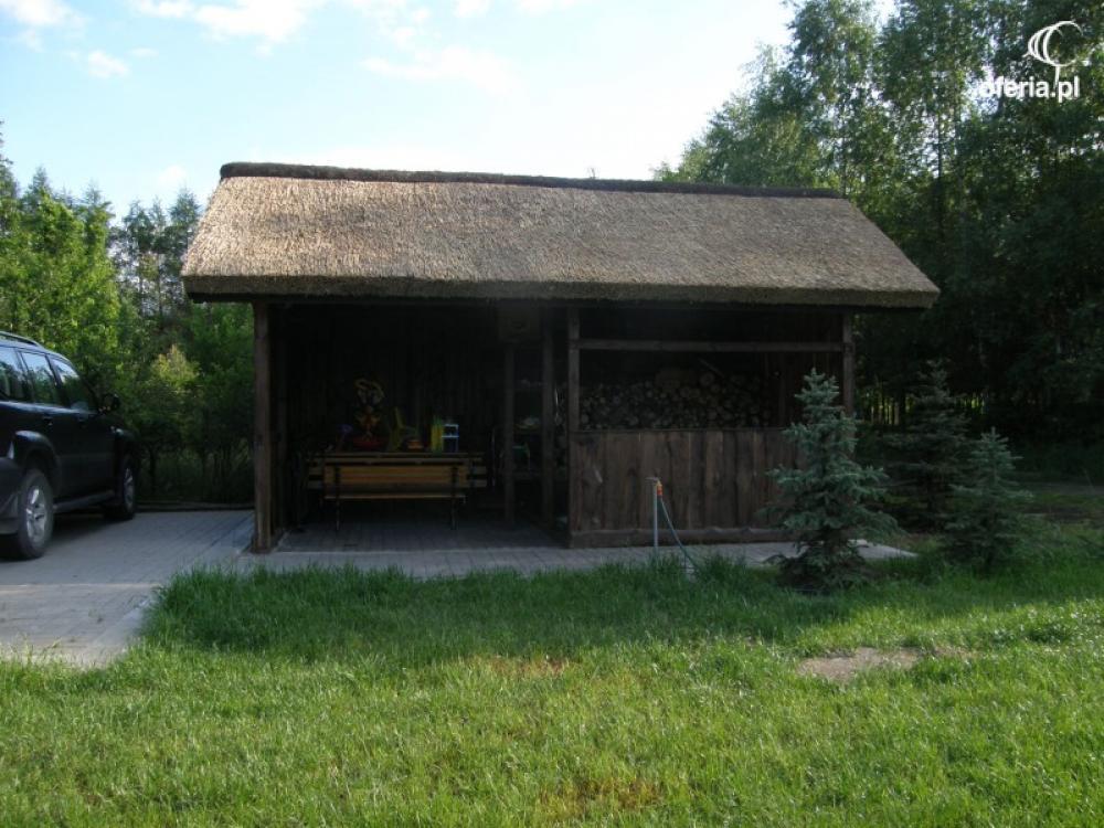 Wiata Garażowa Kryta Trzciną Strzechą Garaż Altana Altanka Strzecha
